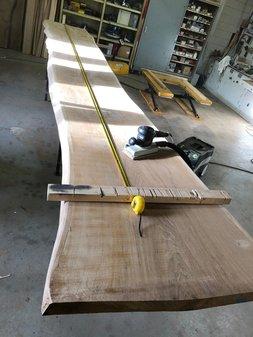 Prachtige 5.5 meter lange tafel in wording