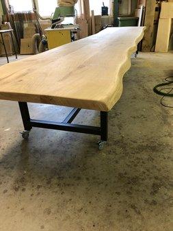 Op maat gemaakte eiken tafel 5.5 meter lang!