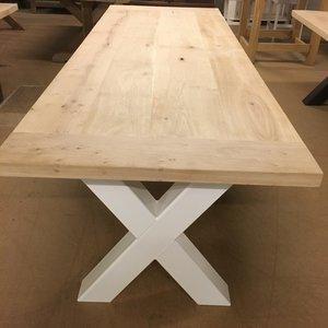 Eettafel eikenhout 280 x 100, met wit stalen, gekruist onderstel