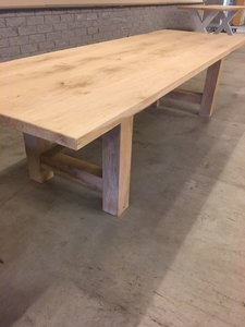Eettafel, eikenhout, 260 x 100, recht eiken onderstel