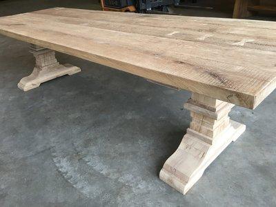 Eiken tafel met kolompoot 300 x 100 cm