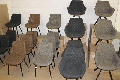 Suède leren stoelen met stalenframe