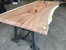 Boomstambladen-uit-1-stuk-Suar-hout